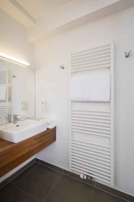Bad im Doppelzimmer (auch zur Einzelbenützung)