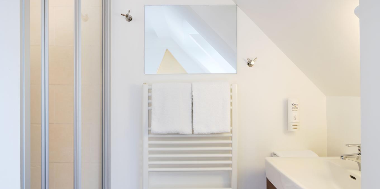 Bad im Doppel- oder Einzelzimmer