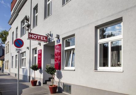 Eingang Hotel Hahn