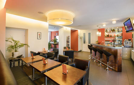 Frühstücksraum mit Bar