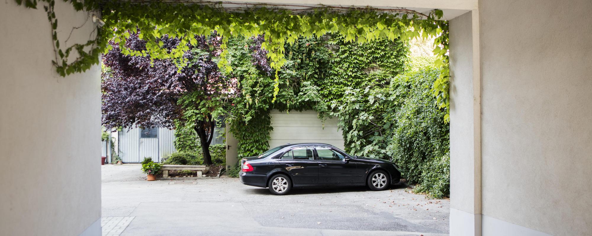 Parkmöglichkeit direkt beim Hotel Hahn